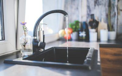 Czy picie wody z kranu jest niezdrowe?